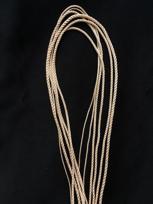 Гайтан шелковый шнур Жемчужно-бежевый Seashell без замка 60 см
